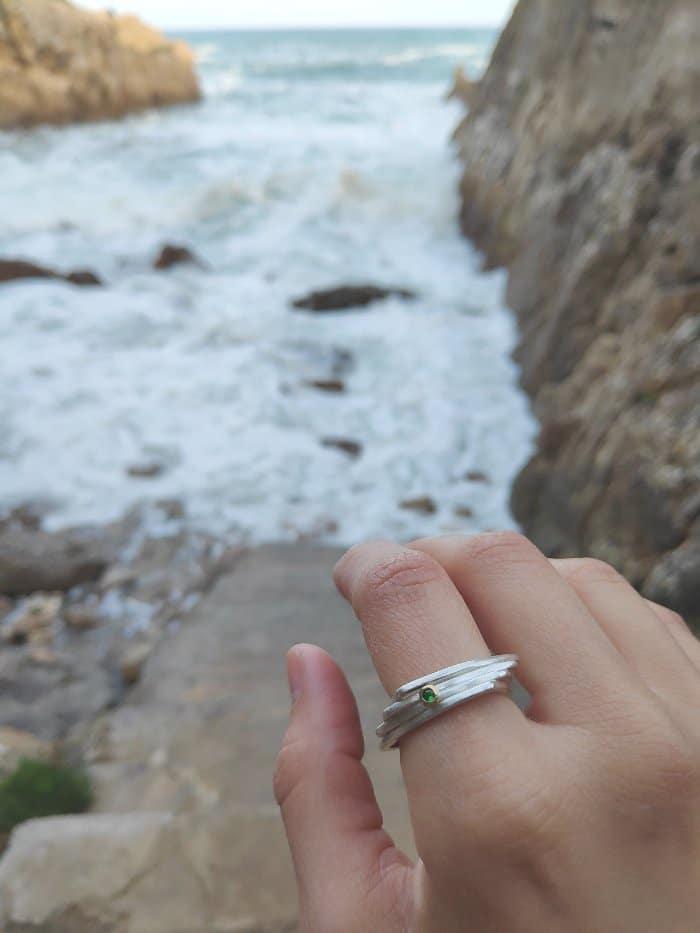 anillo de plata y esmalte verde, juia jewels barcelona, comprar anillo de plata de diseño, joyeria etica, fairmined, joyasmarket