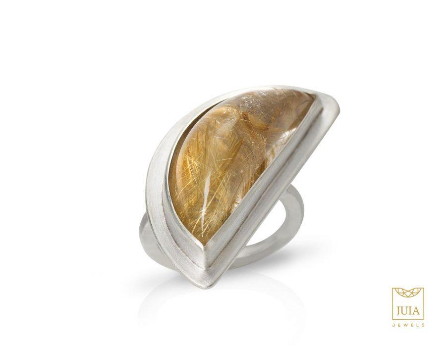 anillo de cuarzo rutilado, anillo de plata y cuarzo turmalinado, anillo de plata para mujer, regalar anillo para mujer, regalar honey moon, regalo aniversario mujer