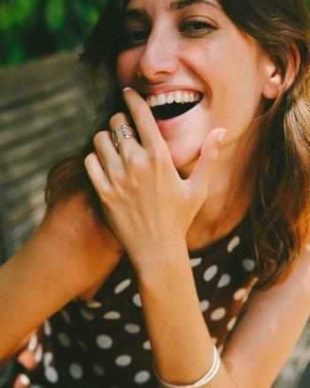 anillo de plata para mujer, diseñado por Marteliè Barcelona, comprar joyas de plata para mujer, anillos de diseño para chicas