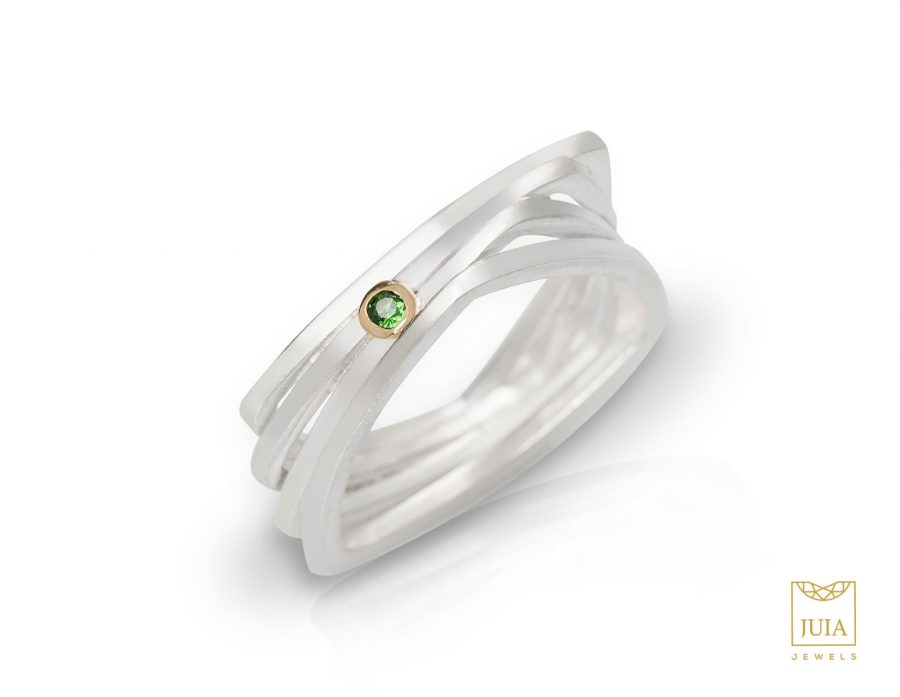 anillo de plata para mujer, anillo de plata de diseño, anillo de plata y oro, anillo de plata oro granate tsavorita