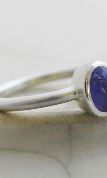 anillo de plata para mujer, anillo con tanzanita, anillo de plata con pedreria, anilllo de plata con piedra azul