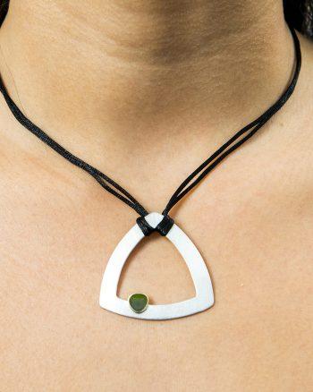collar de plata y oro con esmalte verde para mujer