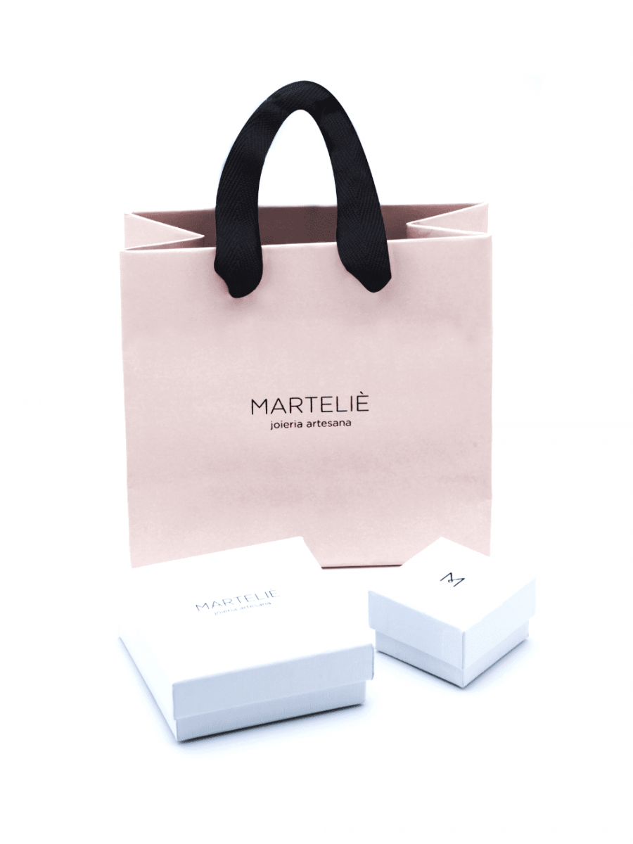 packaging de las joyas para mujer hechas a mano por Marteliè para Joyasmarket