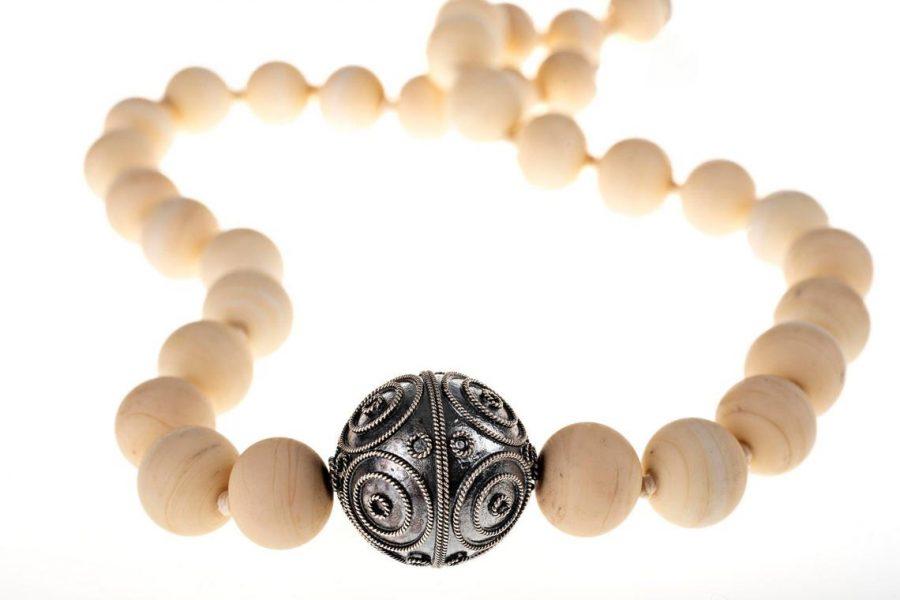 collar para mujer con plata y cuentas de vidrio de Murano, regalar collar para mujer, comprar collar de diseño, comprar joyas exclusivas