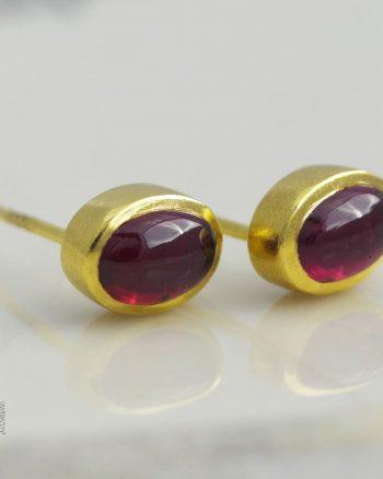 pendientes de oro con rodolita, pendientes de botón de oro con rodolita