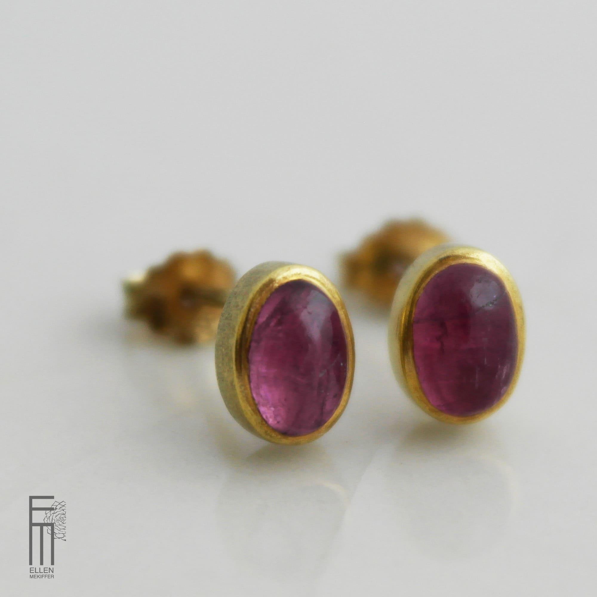 pendientes de botón de oro y turmalina para mujer, pendientes con piedra turmalina, pendientes para regalar pareja, pendientes para vestido, joyas para regalar, ellen mekiffer sevilla, joyasmarket