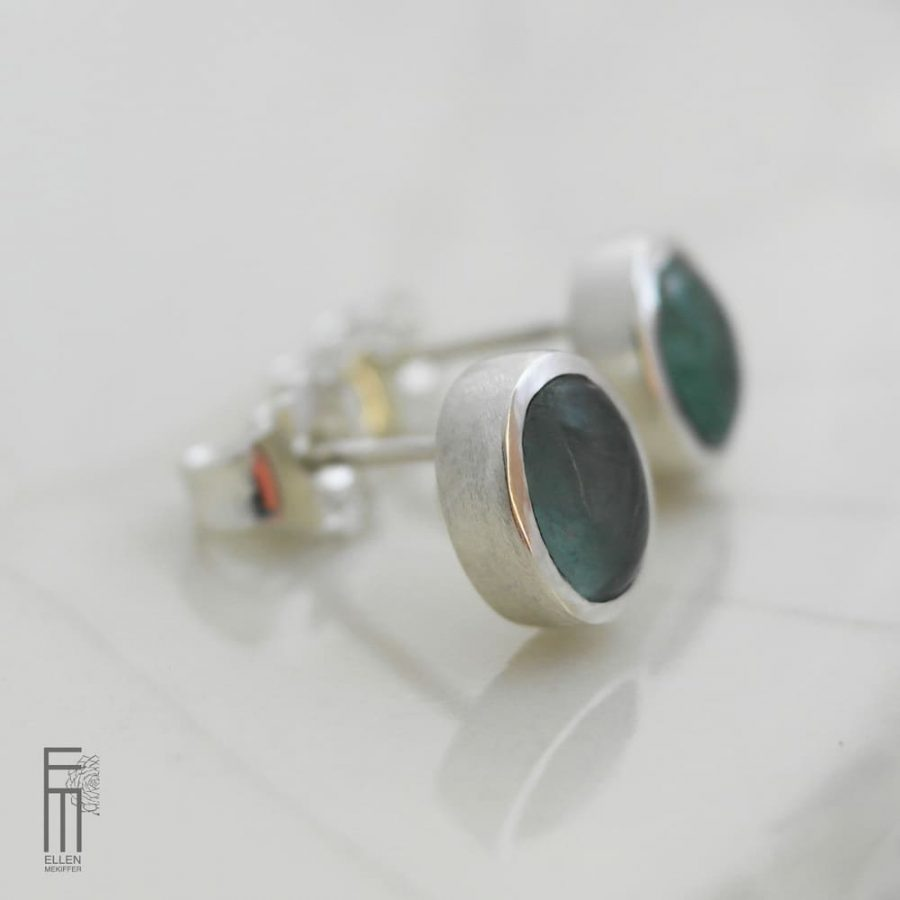 pendientes de plata con fluorita verde, pendientes de botón de plata