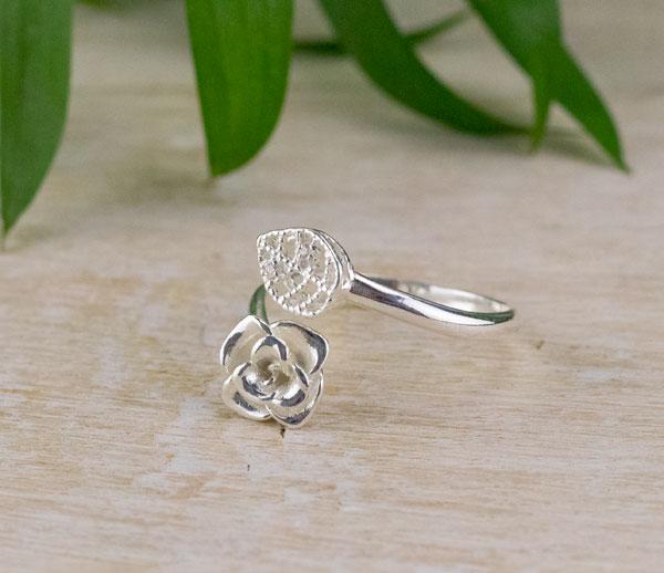gargantilla de rosas de plata para mujer, gargantilla de plata, gargantilla para regalar san valentin, gargantilla para pulsera de plata, joyas para regalar, joyas exclusivas, joyasmarket