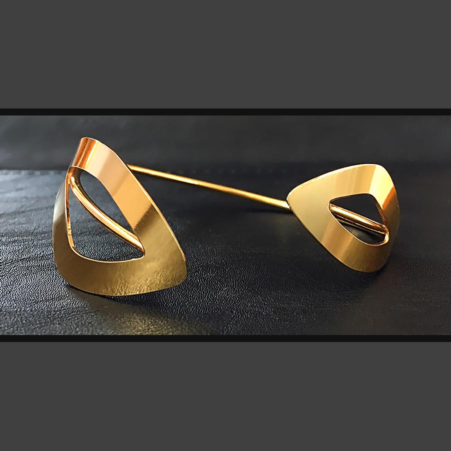 brazaletes de oro para mujer, genoveva arias almeria, regalar brazalete de diseño, joyeria minimal, joyasmarket