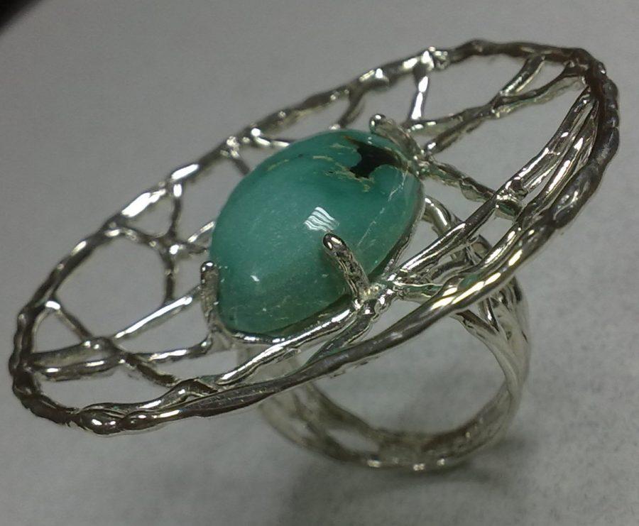 anillo de plata con piedra turquesa pieza única de diseño exclusivo