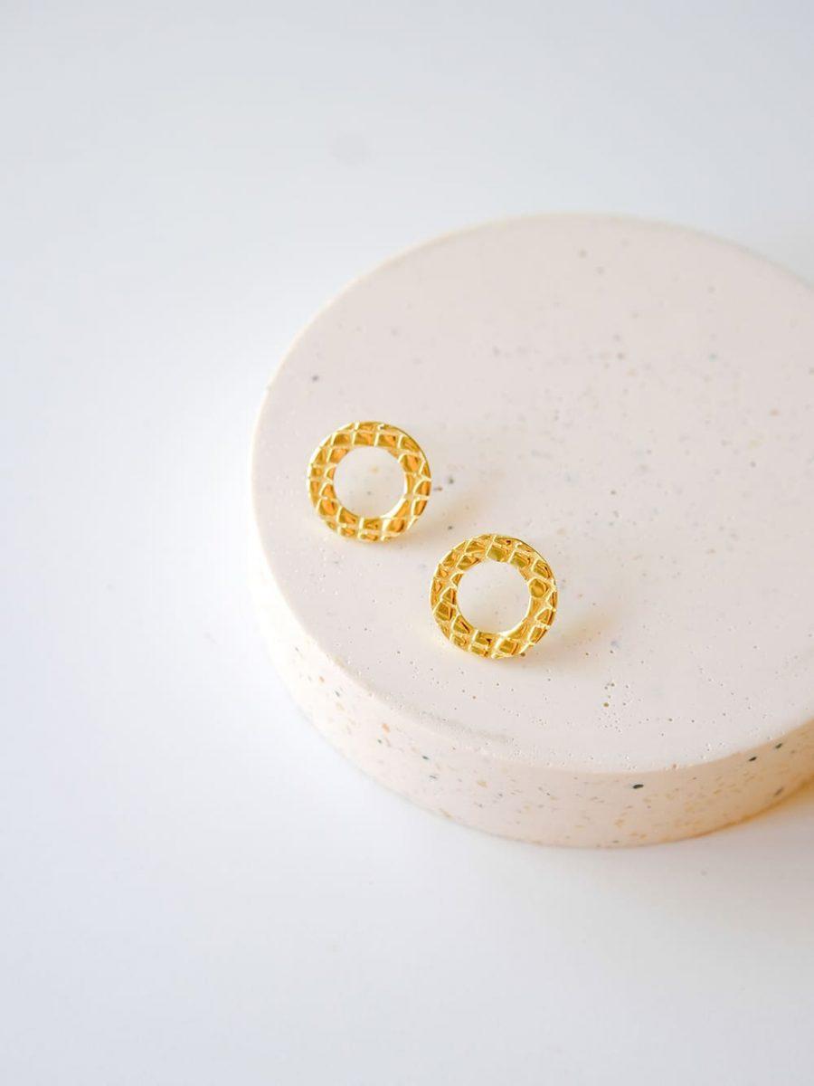 pendientes pequeños de circulo, pendientes de circulo para mujer, pendientes animal print, pendientes cocodrilo
