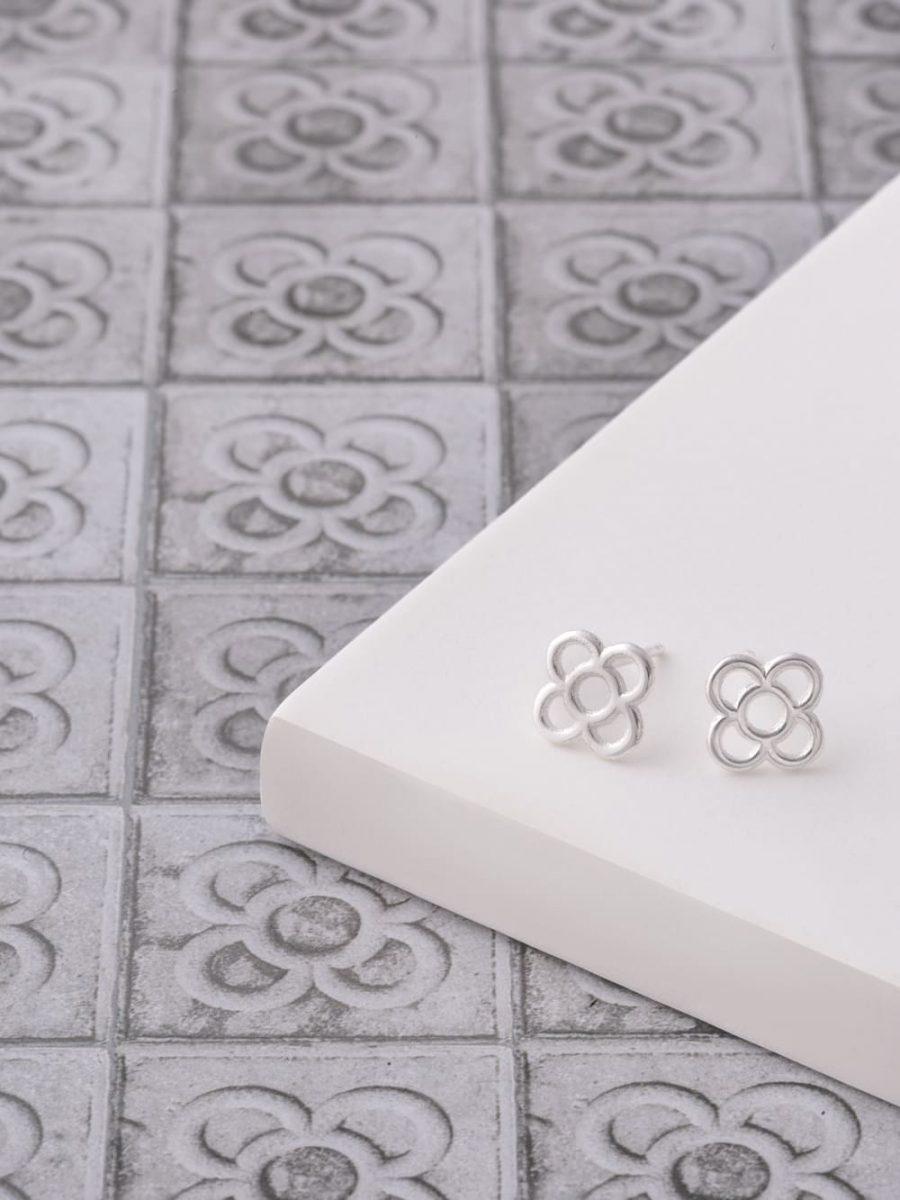 pendientes de boton flor de barcelona