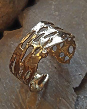 pulsera exclusiva de oro, pulsera de diseño, regalar pulsera de oro, regalar pulsera de mujer, brazalete para mujer